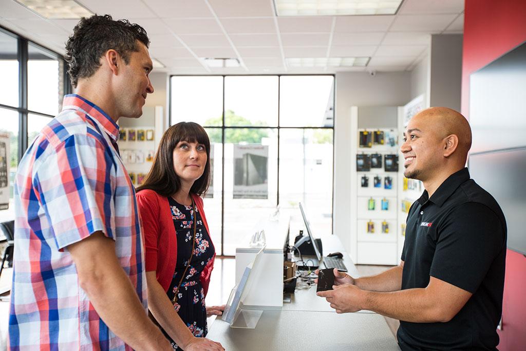 uBreakiFix customer and employees